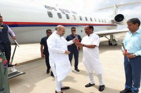 Amit Shah arrives in Ranchi on ODI tour, CM welcomes